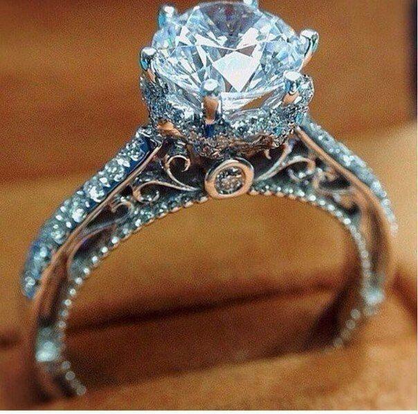 Женское кольцо 1072
